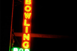 Brooklyn Bowl - Bar | Bowling Alley | Live Music Venue | Restaurant in New York.