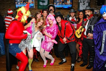 Halloween Trolley Crawl - Pub Crawl | Holiday Event | Costume Party in Chicago.