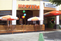 Hooters - Restaurant | Sports Bar in Los Angeles.