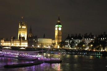 The Millennium Mile: Thames River Walk - Outdoor Activity   Tour in London.