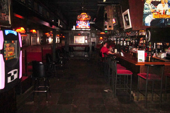 St. Nick's Pub - Dive Bar | Pub in Los Angeles.
