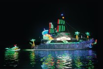 105th Annual Newport Beach Christmas Boat Parade - Holiday Event | Special Event | Parade in Los Angeles
