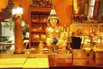 Milk Bar & Bistro - Bar | Bistro | Restaurant in Barcelona.