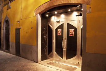 Glamour - Club in Florence.