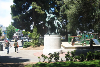 Washington Square - Culture | Outdoor Activity | Park | Square in San Francisco.