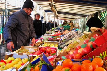 Marché Monge - Market | Shopping Area in Paris.