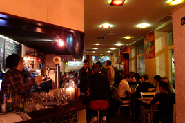 Dostrece - Bar | Restaurant in Barcelona.