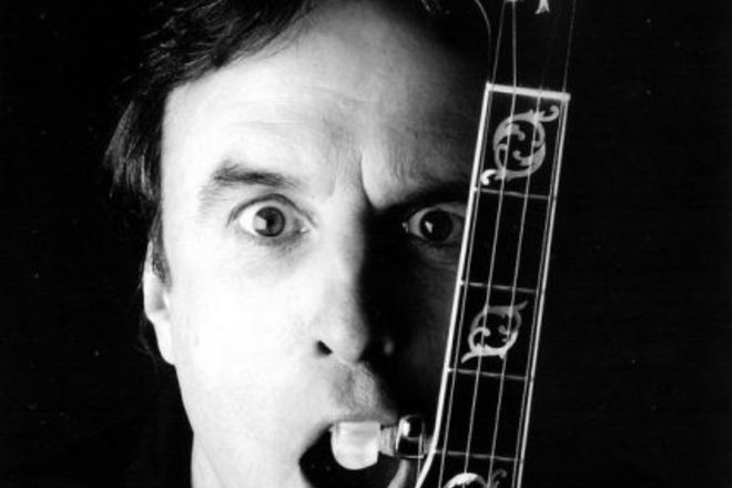Photo of New Material With Kevin Nealon