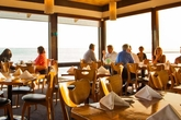 Moonshadows - Lounge | Seafood Restaurant | Beach Bar in LA