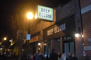 Deep Ellum - Bar | Restaurant in Boston.