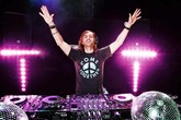 David-guetta_s165x110