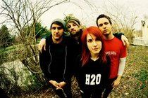 Paramore_s210x140