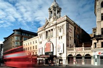 Victoria Palace Theatre - Theater in London.