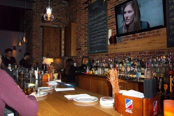 Canary Square - Bar | Gastropub in Boston.