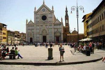 Piazza Santa Croce Christmas Markets - Holiday Event | Shopping Event in Florence.