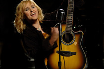 Melissa-etheridge_s210x140