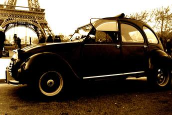 Midnight in Paris on Wheels - Tour | Culture in Paris.