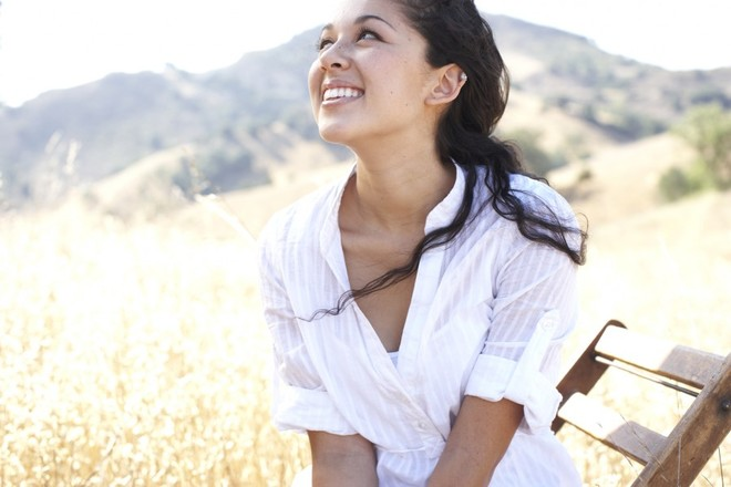 Photo of Kina Grannis