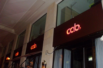 Le Cab (Le Cabaret) - Club | Restaurant in Paris.